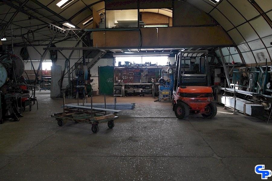 Pretamo atelier de fabrication de structures pour serres et abris